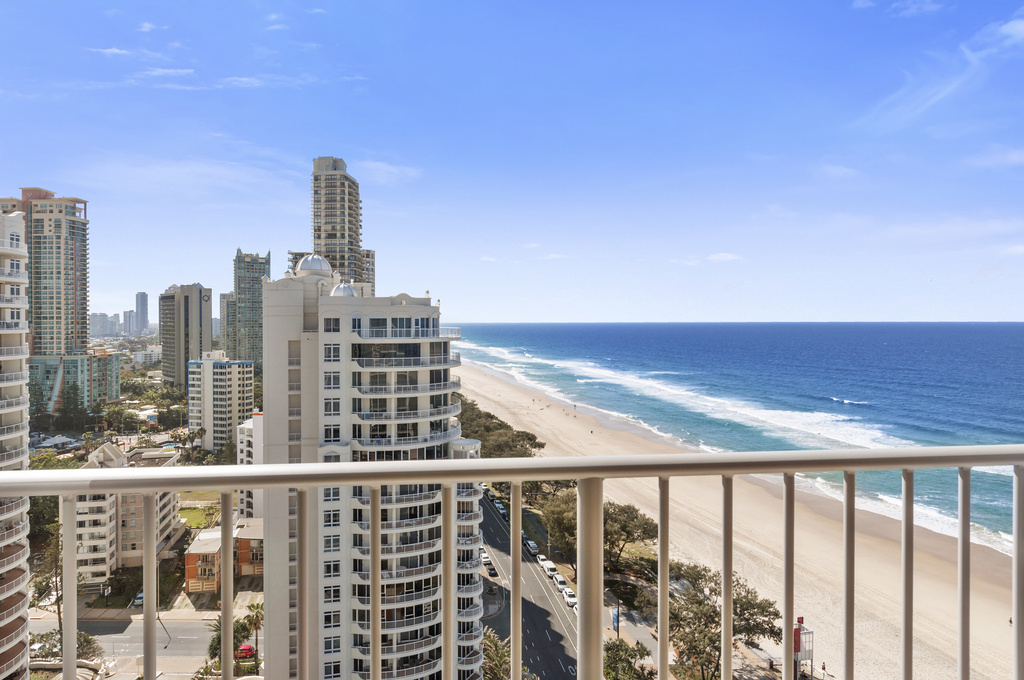 008_Open2view_ID424154-1804_52_The_Esplanade__Surfers_Paradise