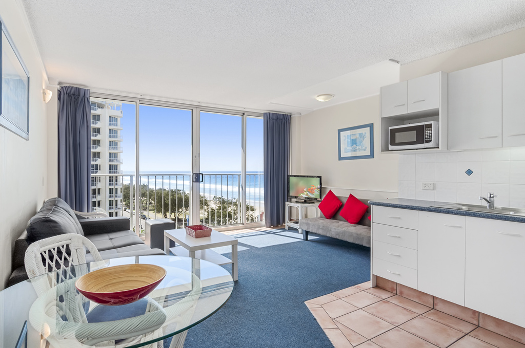 001_Open2view_ID424152-704_52_The_Esplanade__Chateau___Surfers_Paradise