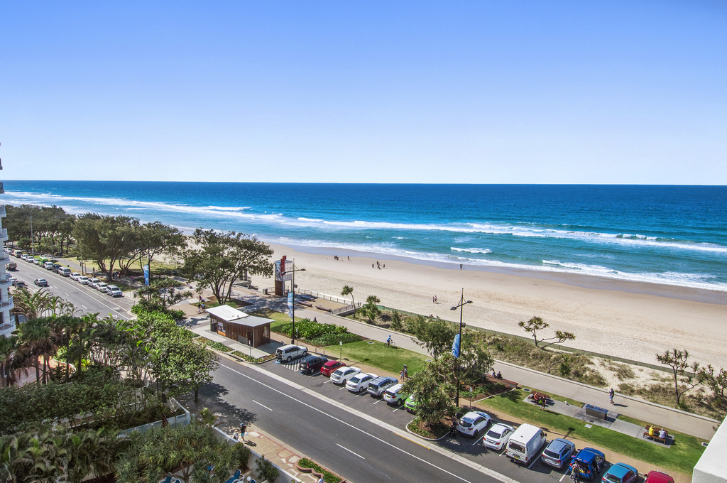 004_Open2view_ID424152-704_52_The_Esplanade__Chateau___Surfers_Paradise