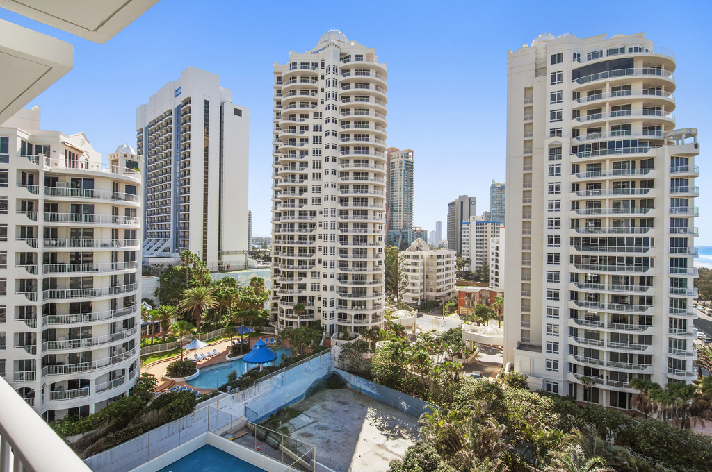 011_Open2view_ID424152-704_52_The_Esplanade__Chateau___Surfers_Paradise